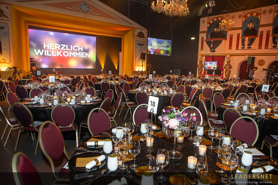 Seitenblicke Charity Gala für LICHT INS DUNKEL