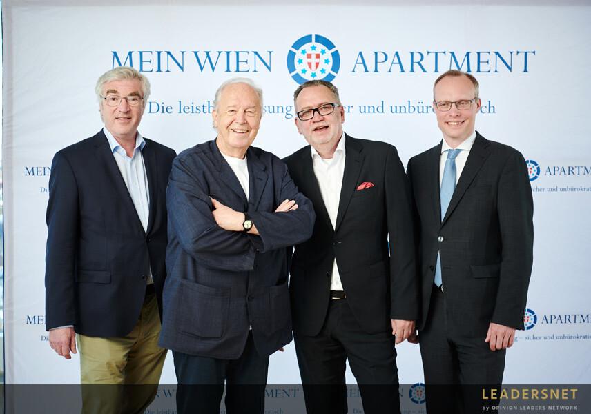 """Round Table """"Mein Wien Apartment"""""""