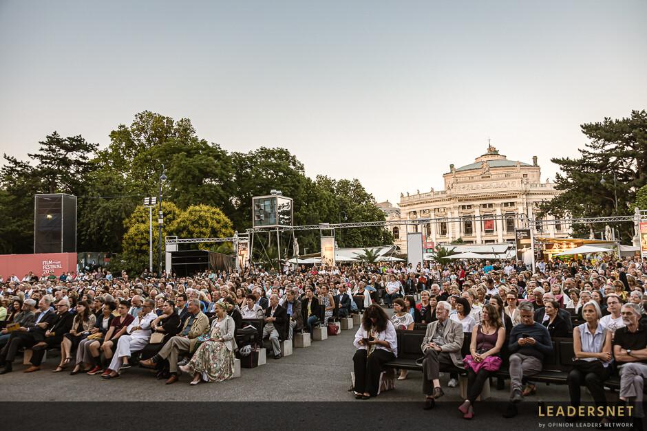 Eröffnung Filmfestival Rathausplatz