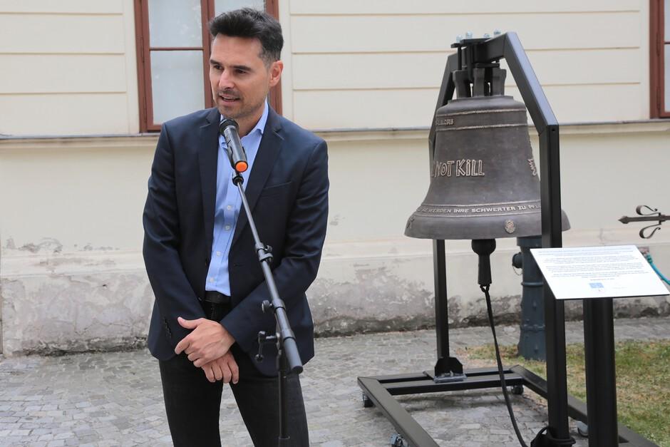 Einweihung PeaceBell Wien