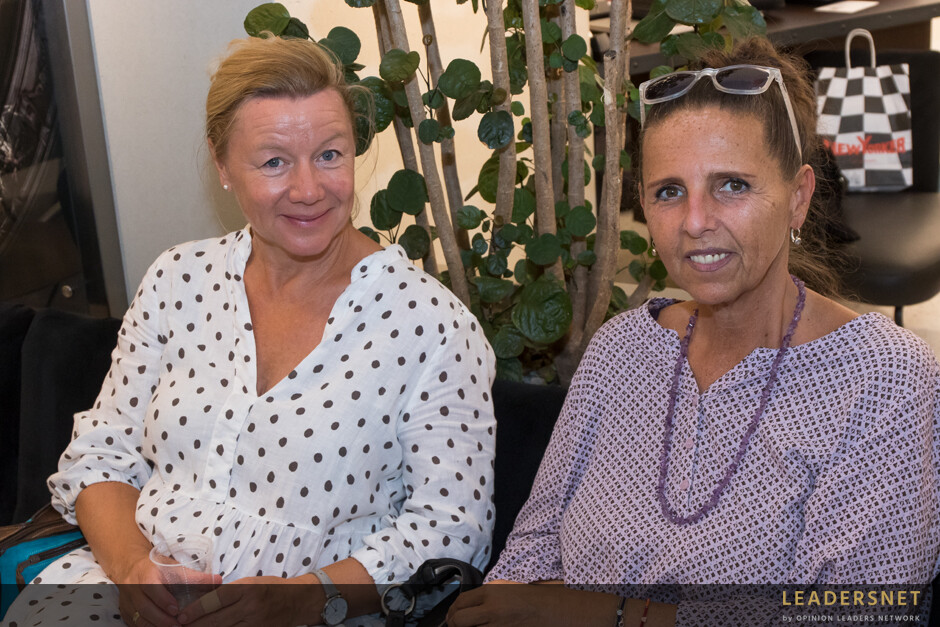 """Klang + Charity """"In Vino Caritas"""" im Salon Biogena"""