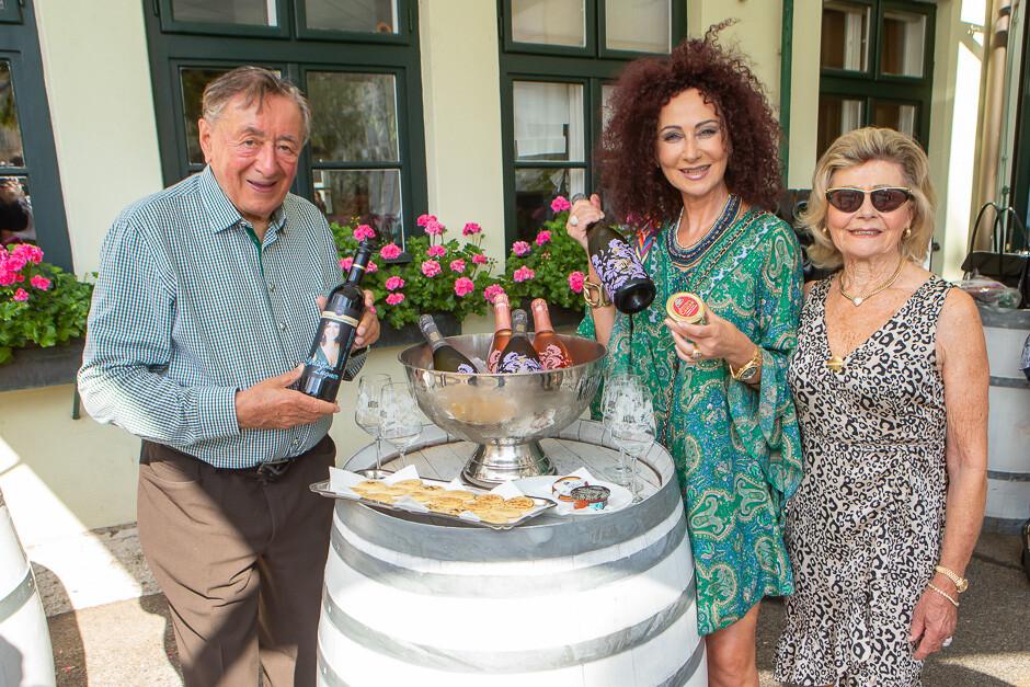 Mausi Lugner beim Kaviar-Champagner Frühstück bei Kattus